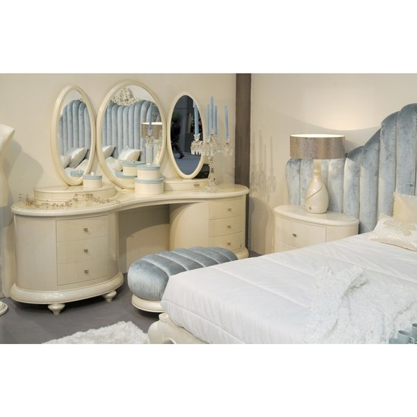High gloss cream dressing table with mirrors