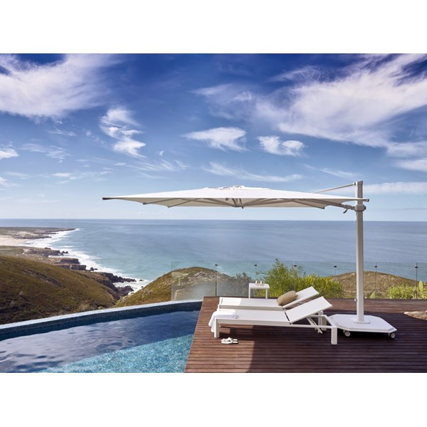 Luxury Carectere Parasol with 360 Canopy