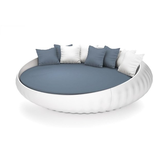 Oyster White Lacquered Blue Fabric Upholstered Outdoor Round Daybed