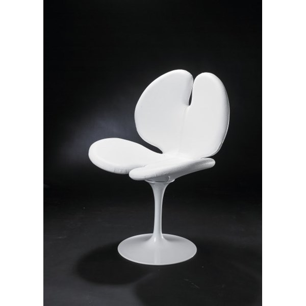 Luxury White Leather Cosy Chair