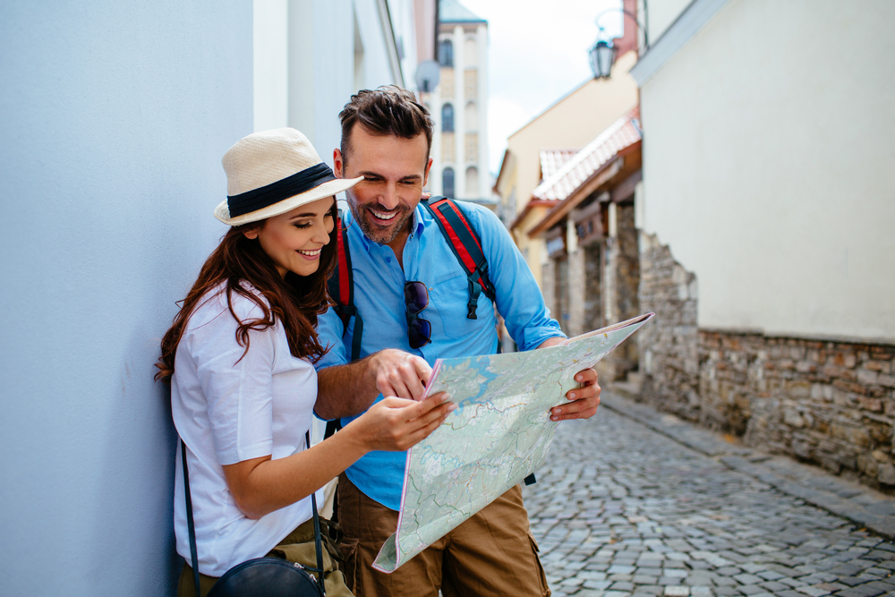 Tour Gift Ideas for Couples Travelling to Europe