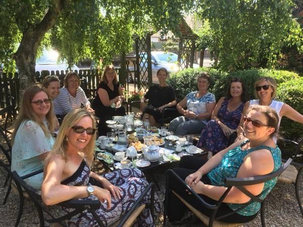 Medium swaying ladies book club