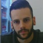 Alberto Piqué, Lavador de coches en Sitges