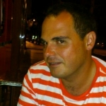 Manu Chueca conejero, Profesor de español en Zaragoza