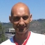 Javier Vázquez, Reparador de móviles y tablets en Lugo