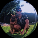 Gonzalo Mena, Paseador de perros en Mijas