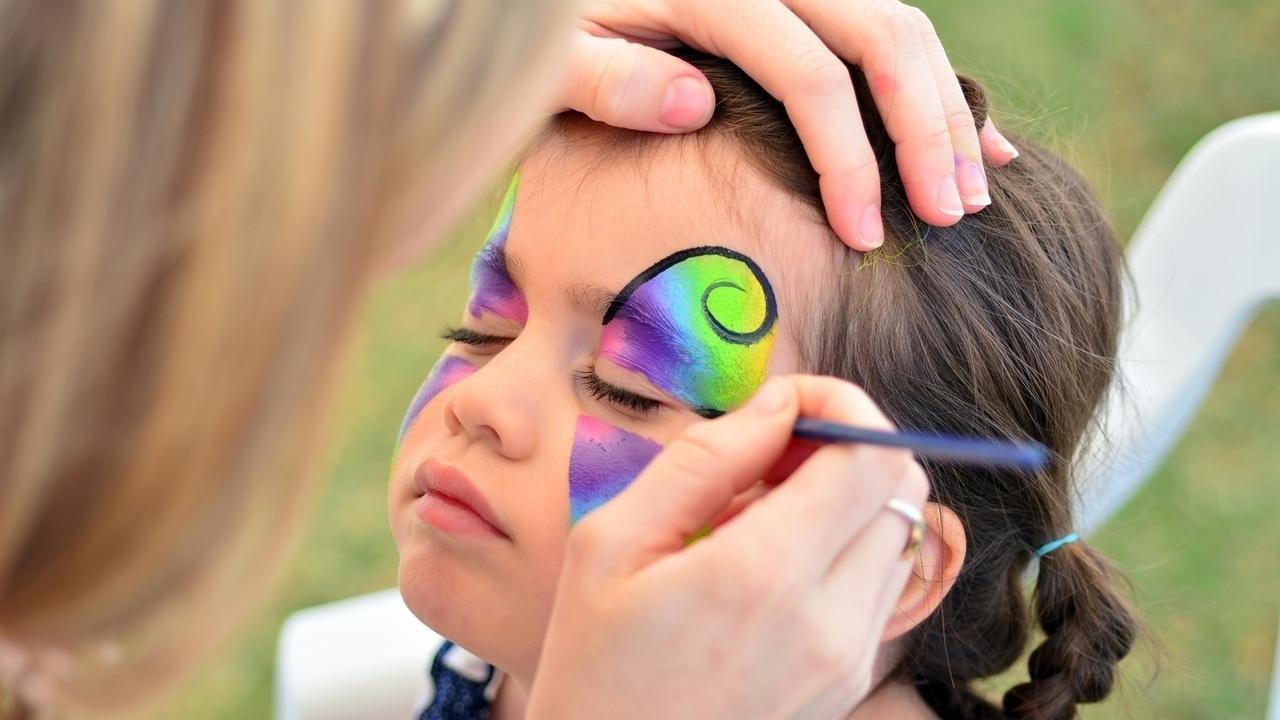 Maquillador infantil, Pintar caras a niños