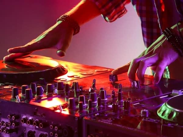 DJ, Música para fiestas