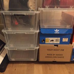Sælger disse super fede drop font shoe  - Odense - Sælger disse super fede drop font shoe box. Har 6 stk tag dem alle 6 for 150kr! Kan bruges til alle lave sko som yeezy 350, Adidas ultra boost, nmds osv men ikke yeezy 750 og sådan nogle høje sko Befinder sig i Odense eller kan de sendes på k - Odense