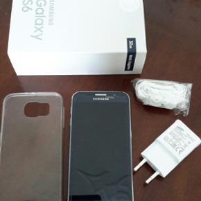 Samsung Galaxy S6 - Black Sapphire 32GB  - Århus - Samsung Galaxy S6 - Black Sapphire 32GB sælges. telefonen er i rigtig god stand uden brud og ridser i skærmen og enkelte ubetydelige ridser på bagsiden. der er monteret panzerglas på skærmen og der medfølger ligeledes klar plastik cover til - Århus