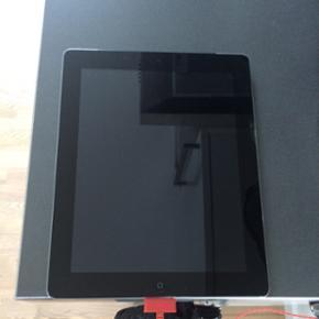 Sælger denne iPad 2 32gb 3G wifi. Jeg k - Holstebro - Sælger denne iPad 2 32gb 3G wifi. Jeg kan få 483 kr. for den, men vil hellere sælge den til en privat. Den har en flænge i højre side som også kan ses på sidste billede. Den har også brugsridser. Mp 483 kr. - Holstebro
