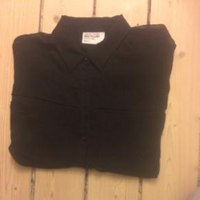 Tynd, sort skjorte fra Gina Tricot ❤? - Hjørring - Tynd, sort skjorte fra Gina Tricot ❤️ Str. 36 - Hjørring