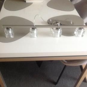 Pendel med 4 pærer, Icecubes, 72 cm i l - Aalborg  - Pendel med 4 pærer, Icecubes, 72 cm i længden, som ny. - Aalborg