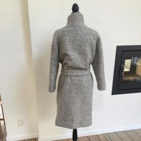 Frakke fra Ganni i lysegrå - Aalborg  - Frakke fra Ganni i lysegrå - Aalborg