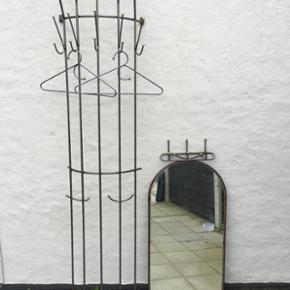 Entré sæt. Spejl, bøjler, knagerække - Haderslev - Entré sæt. Spejl, bøjler, knagerække. - Haderslev