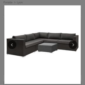 Lounge havemøbelsæt i sort med mørkeg - Odense - Lounge havemøbelsæt i sort med mørkegrå hynder. Købt ved IDEMøbler på udsalg til 6.000 kr. Kun 2 år gammelt og næsten ikke brugt. Sælger da vi skal have noget mindre til vores altan. Kom endelig gerne med et bud :) - Odense