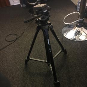 Kamera stativ fra Velbon - DF-41 God sta - Hjørring - Kamera stativ fra Velbon - DF-41 God stand, kun brugt 2 gange. Np: 530kr Mp: 300kr - Hjørring