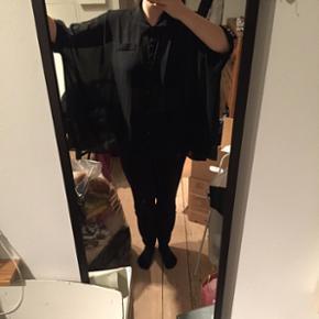 Sifon skjorte - Vero Moda M/L - Århus - Sifon skjorte - Vero Moda M/L - Århus