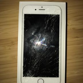 €¼ï¸ IPhone 6 64 GB sælges ‼️2 Ã¥ - Aalborg  - €¼ï¸ IPhone 6 64 GB sælges ‼️2 Ã¥r gammel iPhone 6 64 GB sælges, da jeg har købt ny mobil. Udover den ødelagte skærm og lommeridser fejler den intet. Oplader, kasse og kvittering medfølger. Priside: 1500,- - Aalborg