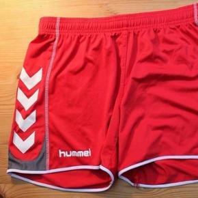 Sport-shorts til kvinder fra Hummel. I r - København - Sport-shorts til kvinder fra Hummel. I rigtig fin stand. Kom med et byd! - København