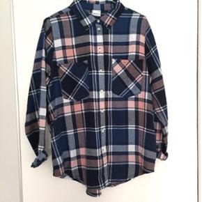 П‡ Skjorte fra Gina Tricot 🍇 - Stø - Aalborg  - П‡ Skjorte fra Gina Tricot 🍇 - Størrelse 38 - Aalborg