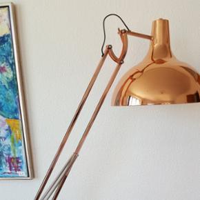 Hobby deluxe kobberlampe fra Idemøbler  - Esbjerg - Hobby deluxe kobberlampe fra Idemøbler - Nypris 1199kr d.d. Den er stort set som ny, meget få brugsridser. Sælges grundet flytning. - Esbjerg
