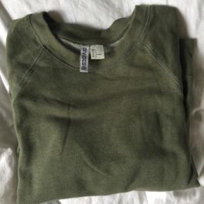 Sweatshirt fra H&M Kun prøvet på Str.  - Aalborg  - Sweatshirt fra H&M Kun prøvet på Str. L (lidt lille i str) - Aalborg