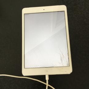 Ipad mini fra 2013. 16gb Skal have ny sk - Bramming - Ipad mini fra 2013. 16gb Skal have ny skærm Fungerer fint, selvom den har en smadret skærm. - Bramming