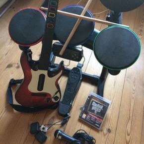 Guitar hero instrumenter til PS3, tromme - Århus - Guitar hero instrumenter til PS3, trommer, guitar, mikrofon og selvfølgelig spil. Fungere så godt som ny og disken er uden ridser. - Århus