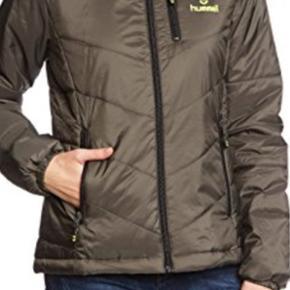 Dame jakke fra Hummel str L i en grå/ g - København - Dame jakke fra Hummel str L i en grå/ grønlig farve varen er ny har 1 pr stk 200kr - København