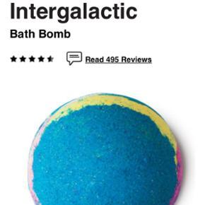 Intergalactis bath Bomb fra lush har haf - Horsens - Intergalactis bath Bomb fra lush har haft den i et stykke tid men kan ikke få den brugt byd har kun været åbnet og set på. - Horsens
