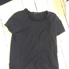 Sælger denne fine sorte T-Shirt fra Tig - Helsingør - Sælger denne fine sorte T-Shirt fra Tiger of Sweden, det er en str M-L i drengestrørrelse
