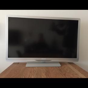 """LED, Philips, 42PFL6805H/12, 42"""", widesc - Aalborg  - LED, Philips, 42PFL6805H/12, 42"""", widescreen, High Definition, Perfekt Fjernsynet er i god stand og velfungerende. Billedformat: Widescreen Lysstyrke: 380 cd/m² Dynamisk skærmkontrast: 500.000:1 Svartid (typisk): 2 ms Betragtningsvinkel: 176"""