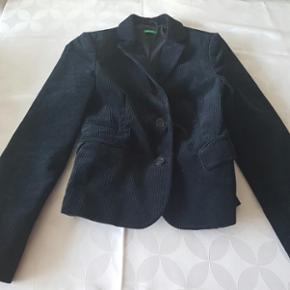 Esprit blazer size 38. Fits Small. Almos - København - Esprit blazer size 38. Fits Small. Almost like new. Good for chilli days as an outwear or as a blazer for work - København