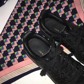 9ac36a8854f Sorte læder sneakers køb og salg   Find den bedste pris!