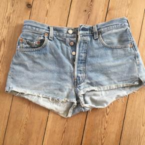 Levis shorts købt i Episode. Brugt. Lev - København - Levis shorts købt i Episode. Brugt. Levis mærket bagpå har aldrig været der, mens jeg har haft dem. Passes af xs/s - København