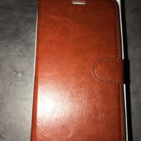 Iphone 6 plus GB Sælger min ny Iphone 6 - Hjørring - Iphone 6 plus GB Sælger min ny Iphone 6 plus 128 GB da jeg har købet en anden mobil. Ingen ridser eller skræmmer ...Panssarglas fra dag et . Med mere pris kan også købes en ladercover en værdi af 300kr. - Hjørring