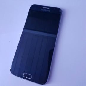 Samsung galaxy s6 - 32 GB sort. Sælges  - Køge - Samsung galaxy s6 - 32 GB sort. Sælges da jeg har købt en anden. Fungerer fint. Men har en lille luftboble i højre hjørne, men det er ikke noget der gør noget. - Køge