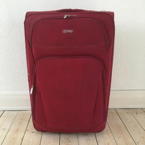 105x80x30cm kuffert bortgives ved køb a - Aalborg  - 105x80x30cm kuffert bortgives ved køb af noget andet på min profil.