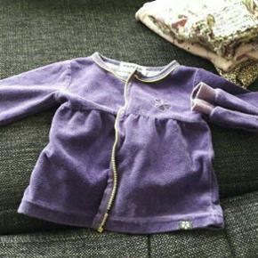 Børnetøj til pige i str 74. fra røgfr - Ringsted - Børnetøj til pige i str 74. fra røgfrit står som nyt mærke er hummel og papfar mm snakker om pris - Ringsted