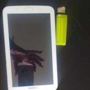 Sælger denne samsung tablet, den har et - Roskilde - Sælger denne samsung tablet, den har et par år på bagen men er en god begynder tablet brugt få gange.. - Roskilde