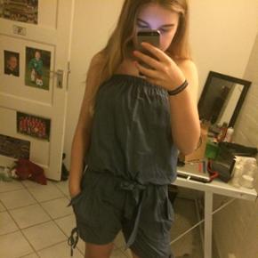 Mega Cute blå shorts dragt - Herning - Mega Cute blå shorts dragt - Herning