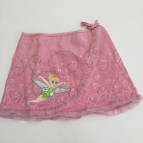 Skøn lille nederdel til baby. Som ny. S - København - Skøn lille nederdel til baby. Som ny. Skal hentes i Mørkhøj 2860 Søborg - København