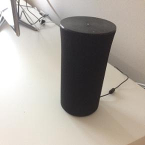 Samsung R1, god højtaler der virker med - København - Samsung R1, god højtaler der virker med både Bluetooth og Wifi. Kan også sættes til dit Samsung TV hvis det er nyt nok (2011+) det var mit tv ikke, så derfor var det et fejlkøb fra min side. - København