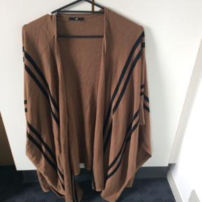 Tunika bluse str 36 str 38 kan også pas - Esbjerg - Tunika bluse str 36 str 38 kan også passe den, fejler Intet- brugt få gange - Esbjerg