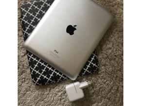 IPad 4. generation med 16 GB og Wi-Fi. N - Odense - IPad 4. generation med 16 GB og Wi-Fi. Nogle år gammel, men stort set ikke brugt. Har beskyttelses film på skærmen og er i fin stand. Adapter til opladning følger med, og alm. opladerkabel til iPhone kan sluttes til (beholder selv kablet, da  - Odense