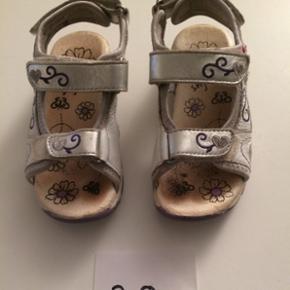 Sandal str 28, fin stand. 40kr pp - Randers - Sandal str 28, fin stand. 40kr pp - Randers