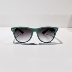 Solbriller sælges Meget flot stand Mp 5 - Århus - Solbriller sælges Meget flot stand Mp 50kr Kan sender for kun 9kr - Århus