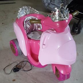 El scooter med lader. - Nyborg - El scooter med lader. - Nyborg