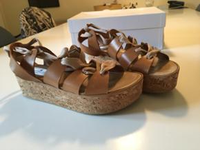 Designers remix sandaler med bindebånd. - København - Designers remix sandaler med bindebånd. Aldrig brugt. Ny pris 1600. - København